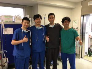 左より当院大野洋平医師、大阪警察病院市堀泰裕医師、当院中澤学医師、鳥居翔医師